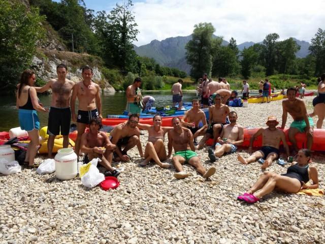 El descenso del Sella con amigos, una actividad para disfrutar de nuestro río