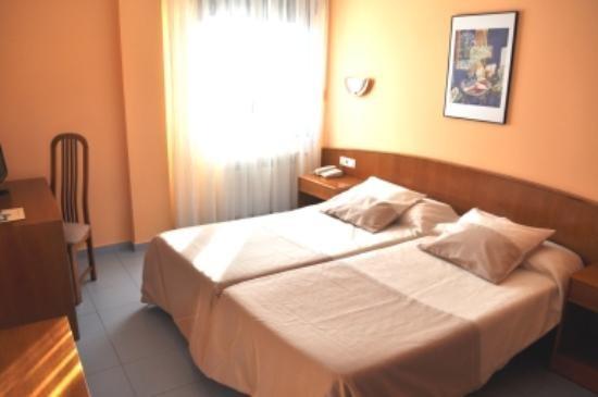 Amplia habitación de 2 camas