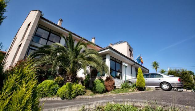 Exterior del Hotel Tereñes Costa, situado a tan solo 3 km. de Ribadesella