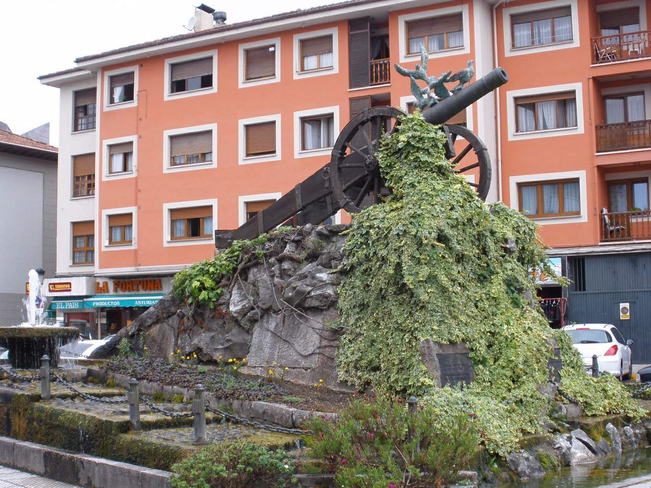Plaza del Cañon de Arriondas